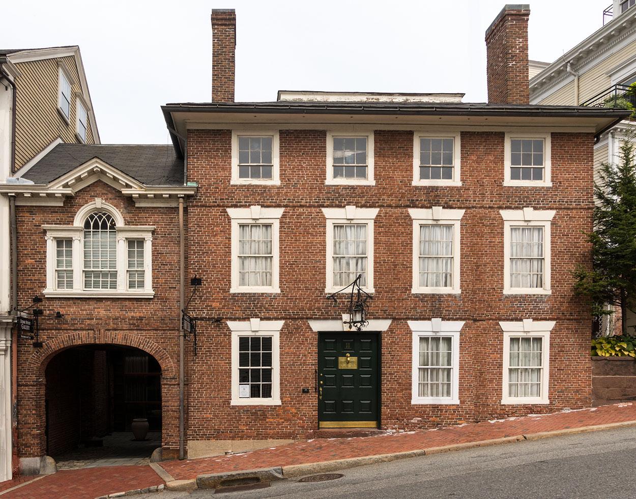 Club-House-exterior